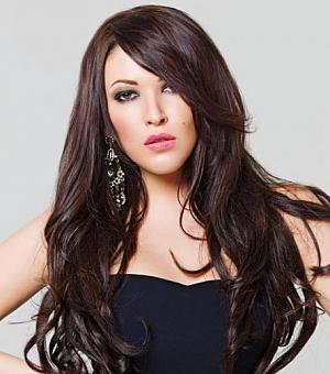 Російська співачка Ірина Дубцова показала свій кругленький животик.