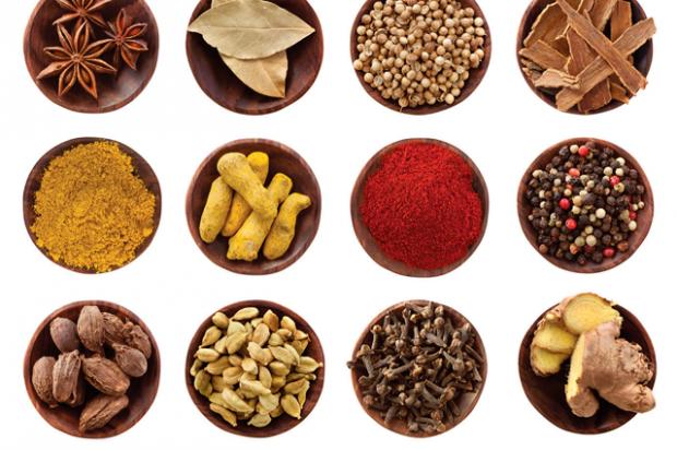 Спеції і прянощі можна додавати в каші, салати, використовувати для приготування м'яса, риби і морепродуктів. А ще, переконують косметологи, завдяки с
