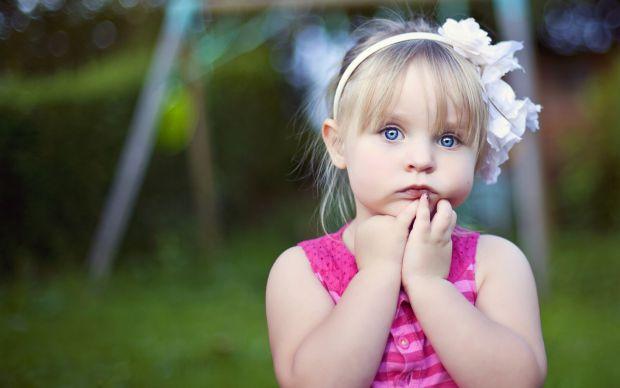 У дитини заболіло вухо. А раптом це отит?Які ознаки отиту?Як його лікувати?