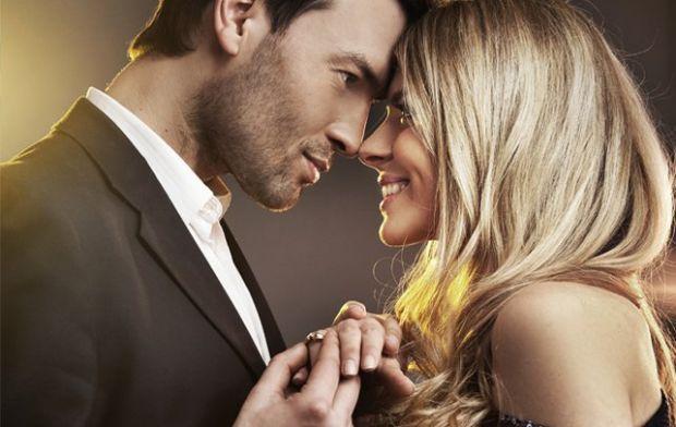 Психологи кажуть, що невміння доносити свою любов і невміння пояснити, як потрібно любити вас, призводять до краху відносини, розвалюють сім'ї. З нашо