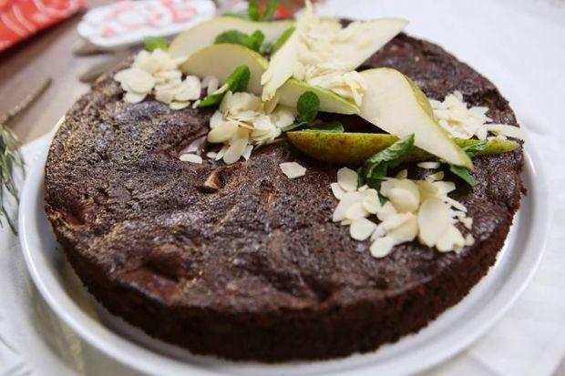 Жовтень - час груш. Соковиті, духмяні, смачні - вони здатні перетворити будь-який десерт в кулінарний шедевр. У цьому ви можете переконатися, приготув