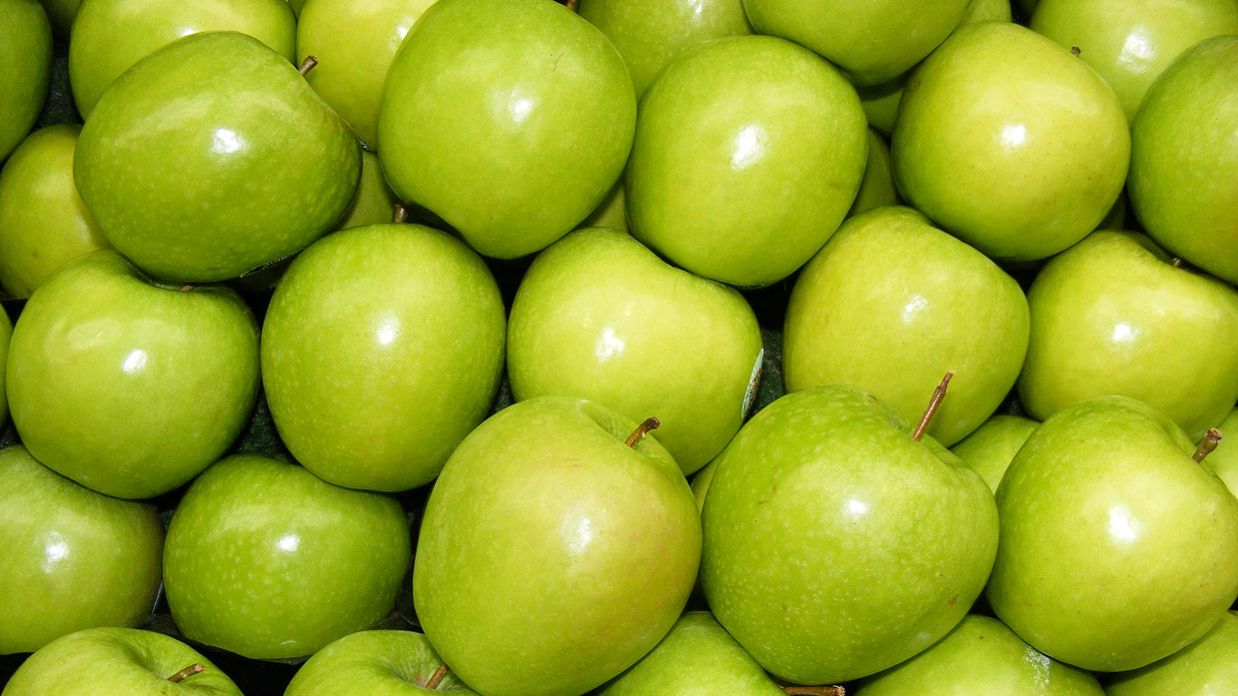 Як кажуть дієтологи, яблука збільшують м'язову силу і спалюють жир. А точніше - це робить урсолова кислота, що міститься в яблуках.