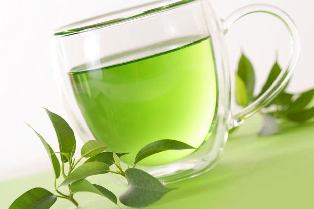 Зелений чай містить антиоксиданти, що захищають від дії вільних радикалів – головних провокаторів розвитку раку.