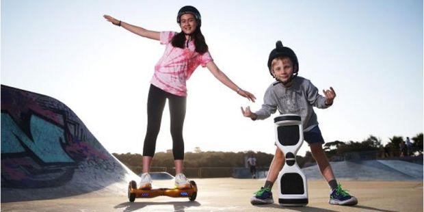 Модна іграшка для пересування, катання - гіроскутер, з'явився декілька років тому на ринку і набув популярності. Але лікарі з відділення швидкої допом