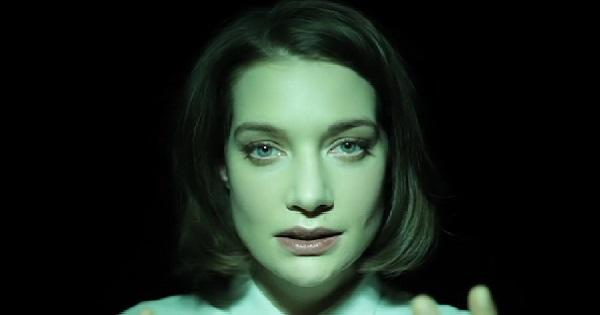 Відео, яке змінить ваш погляд на красуОсвітлення має безпосередній вплив на те, як виглядають риси обличчя людини. Не дарма для фотографів правильна п