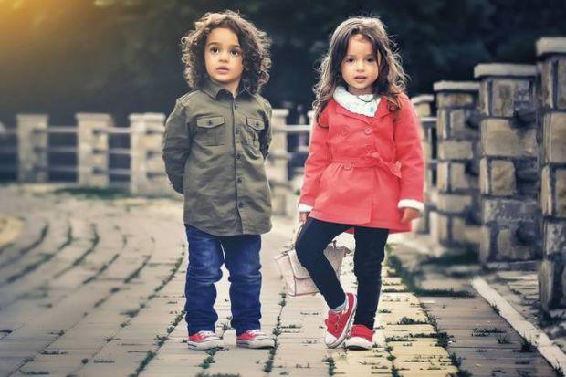 Часто можна зустріти ситуацію, коли батьки хлопчика не розуміють методів виховання тих, хто виховує дівчинку, або навпаки. Підхід до виховання до кожн