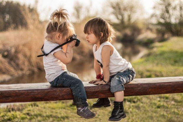 Все частіше не лише підлітки, але й діти раннього віку страждають депресією саме як клінічним діагнозом, що вражає батьків і змушує шукати вирішення ц