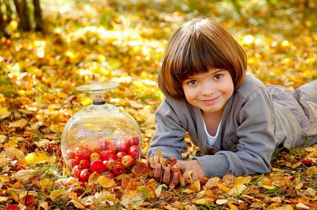 Як повернути дитині бажання їсти?Часто діти перед прийомами їжі перекушують печивом, цукерками, булочками або бутербродами. У такому випадку не дивно,