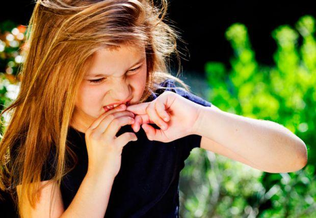 Для батьків дитяче обкусування нігтиків видається трагедією, адже може зіпсуватися прикус, викривитися рот, та й узагалі малюк може занести таким чино
