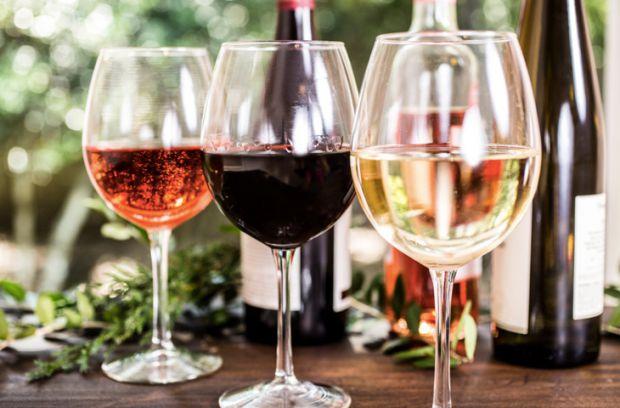 Вживання вина позитивно позначається на репродуктивних функціях чоловіка. До відповідних висновків прийшли фахівці італійського Інституту досліджень і