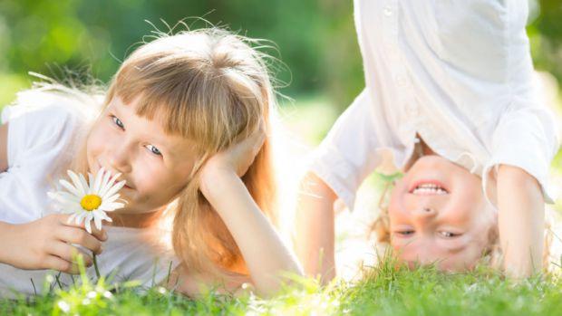 Доволі часто трапляється, що дитину кусають оси чи бджоли, як цього уникнути - читайте далі.
