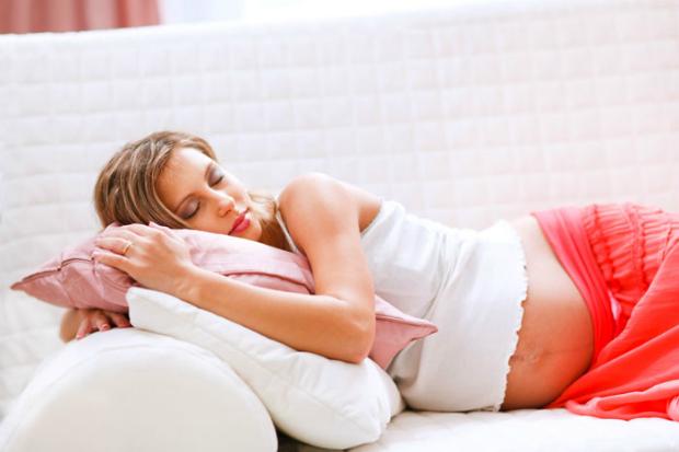 Якщо ви вагітні і вас переслідує токсикоз, варто знати, як собі допомогти! Повідомляє сайт Наша мама.