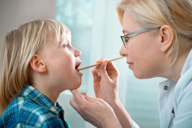 Гострий фарингітСтрептококовий фарингіт є інфекційним бактеріальним захворюванням. Він частіше спостерігається у дітей і підлітків у віці від 4 до 15