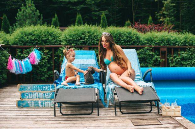 Кілька рекомендацій, якщо ви хочете знати, чи можна вагітній плавати в басейні повідомляє сайт Наша мама.