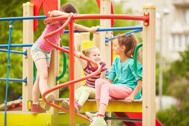 Як знайти спільну мову з іншими дітьми? Як не допустити конфлікту на дитячому майданчику?