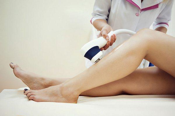 Перш ніж наважитися на дорогу процедуру, варто згадати чи у вас немає того чи іншого захворювання чи пошкодження шкіри, щоб не завдати великої шкоди с