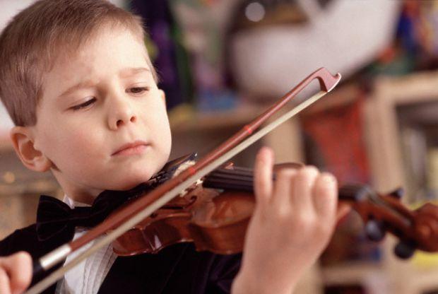 Вчені повідомляють, що спокійна музика благотворно впливає на розвиток малюка