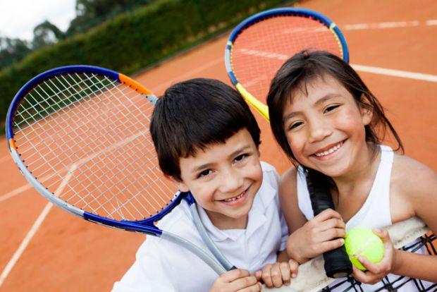 У скільки років дитині найкраще починати займатися спортом - читайте далі.