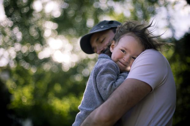 Які причини надмірної любові дитини? Повідомляє сайт Наша мама.