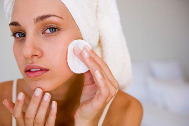 Щоб шкіра була чистою і ніжною - очищайте її спеціальними засобами кожного дня.