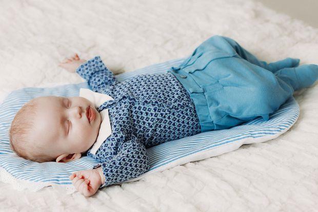 Чому малюк скрегоче зубами і вдень, і вночі