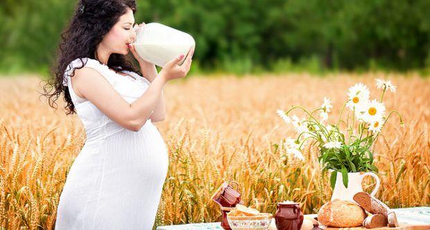 Медики із Брістоля переконані, що захистити жінку під час вагітності від депресії може правильне харчування. Фахівці кажуть, що необхідно їсти більше