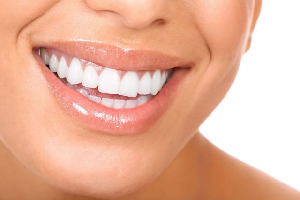 Всім відомо, щоб зуби були здоровими - потрібно дотримуватись гігієни порожнини рота.А нещодавно стоматологи дійшли висновку, що для збереження здоров