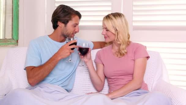 Сексологи поділилися деякими методами, які допомагають збільшити шанси на отримання жіночого оргазму. Як стверджують фахівці, ймовірність кульмінації