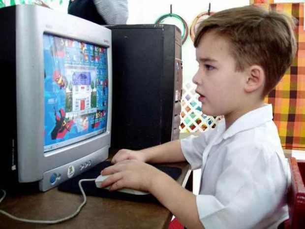 Якщо ваша дитина цілими днями сидить за комп'ютером, гаджетом, стала дратуватися, впадати в істерику і неадекватно реагувати на вимикання комп'ютера (
