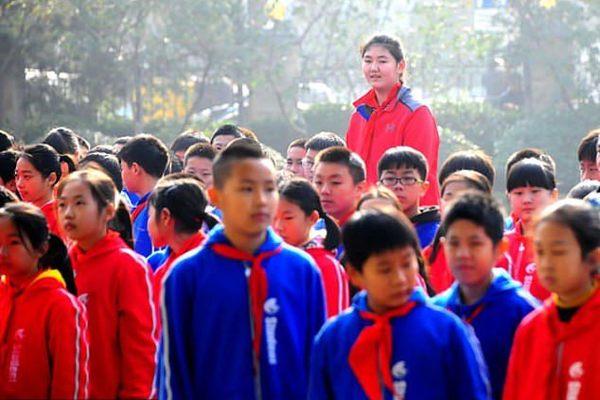 У Китаї була виявлена найвища дівчинка в світі - Чжан Цзиюй. Її ім'я внесли до Книги рекордів Гіннеса.