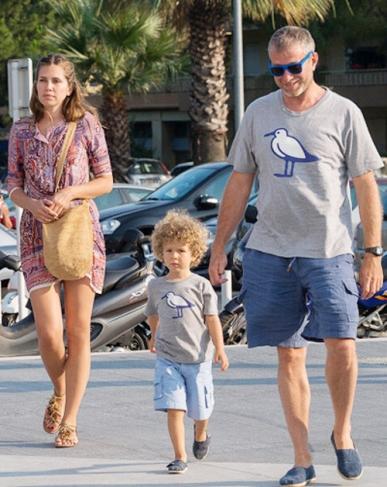 Даша Жукова і Роман Абрамович разом з сином Аароном Олександром відпочивають зараз на Лазурному узбережжі у Франції.