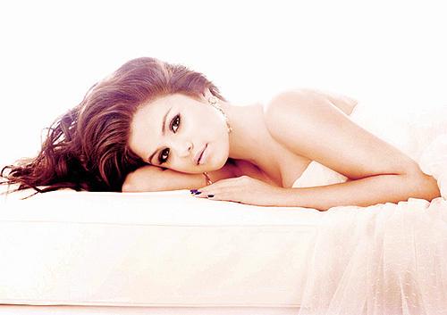 1770_brunette-cute-nailpolish-pink-selena-favim_com-324338.jpg (.88 Kb)