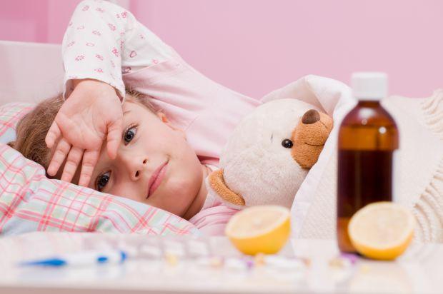 Дитина починає хворіти тоді, коли активно контактує з іншими людьми, тобто 2-5 років - це й перші прогулянки та ігри на дитячому майданчику, і похід д