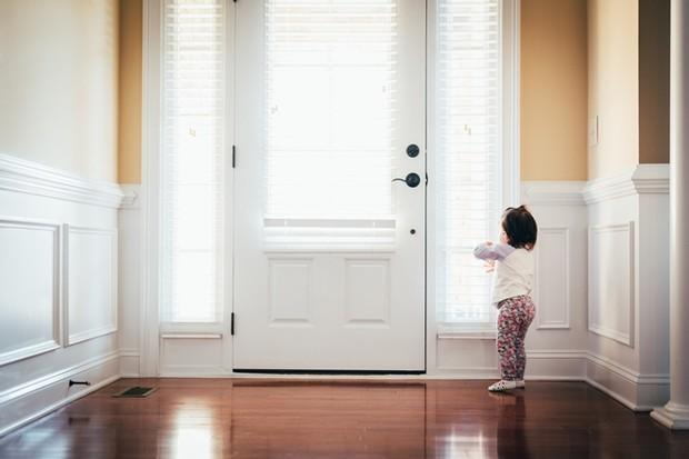 Виходите на роботу, а малюк не хоче бути з нянькою чи бабусею? Повідомляє сайт Наша мама.