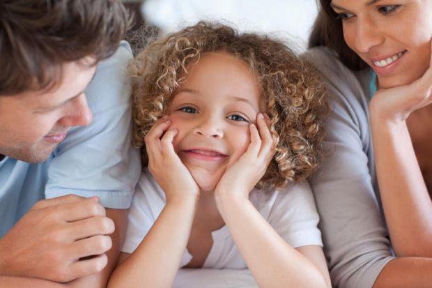 Чому дорослі люди з правильним уявленням про світ та сім'ю усвідомлено відмовляються від материнства і батьківства?Як виховувати дитину в умовах реаль