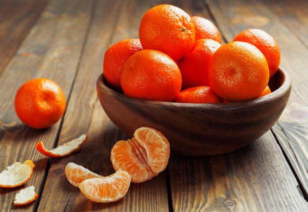 Іспанські вчені встановили, що регулярне споживання мандаринів на 30% знижує жирові відкладення в організмі. Такий дієтичний ефект фрукту надає пігмен