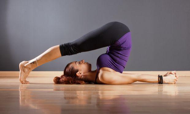 Ви не наважуєтеся піти на заняття з йоги, тому що вважаєте себе недостатньо гнучким і витривалим? Думаєте, що займатися йогою можна тільки в студії? Ц