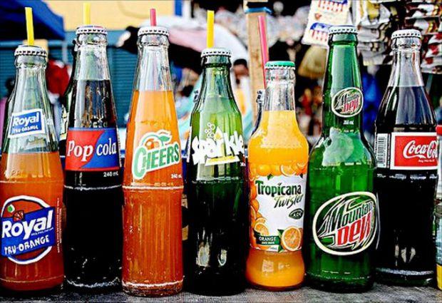 Академіки дізналися, що газовані напої, які містять велику кількість цукру, можуть бути дуже небезпечними для організму.