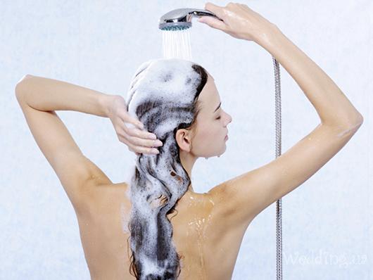 У кожної людини індивідуальний організм, тому періодичність миття голови визначається особливостями стану волосся. При цьому, потрібно врахувати його