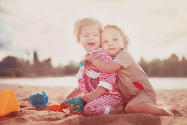 З часом в життя дитини входять певні правила і заборони, пов'язані зі словом