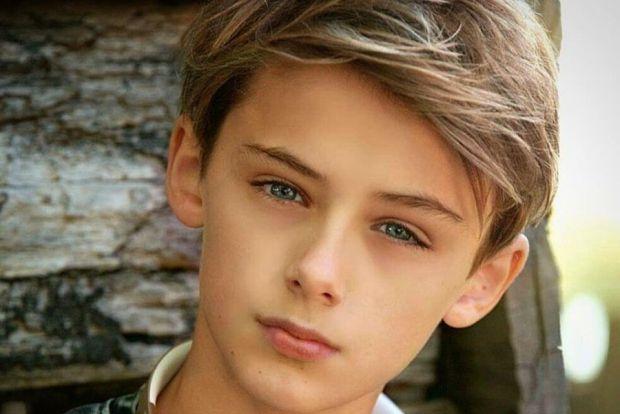 Зміни в організмі хлопчика, що припадають на період з 12 до 17 років, впливають на його зовнішній вигляд і поведінку. У дитини починається поступовий