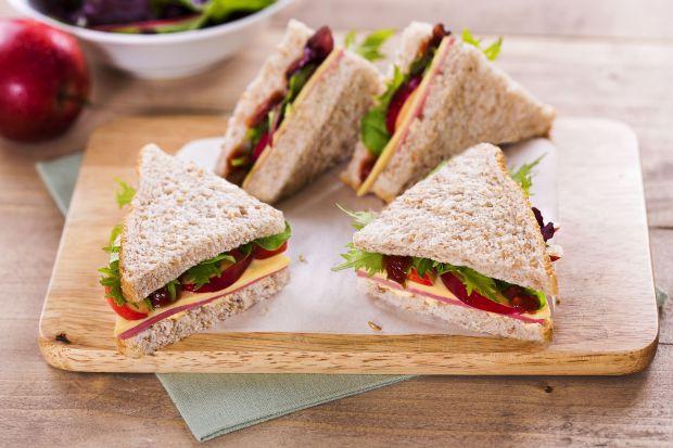 Ми сприймаємо сендвіч як фастфуд, ніж він і є. І від загальних мінусів фастфуду в цьому випадку нікуди не дітися.