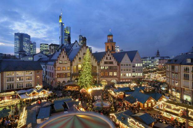 Если вы планируете посетить прекрасную страну Германию, то рекомендуем купит авиабилеты во Франкфурт-на-Майне. Там вы можете отпраздновать Рождество и