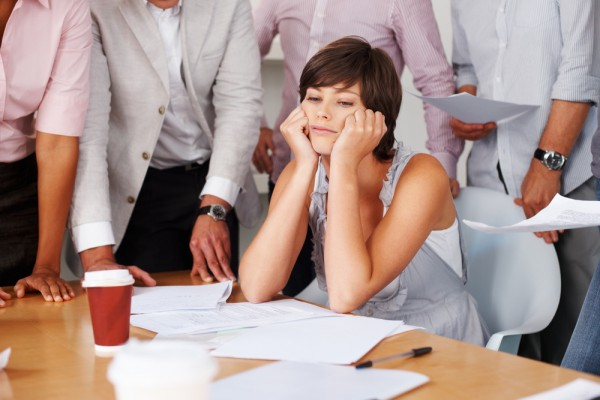 Стреси на роботі позбавляють можливості стати мамоюДослідники в рамках експерименту виміряли рівень деяких ферментів у слині жінки, які пов'язані зі с