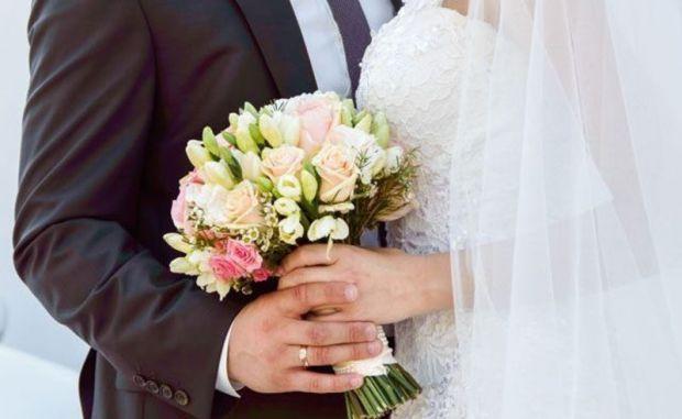Величезна кількість народних прикмет пов'язана зі шлюбом, з оцінкою сумісності та сімейного майбутнього. Експерти зібрали для вас всі головні прикмети