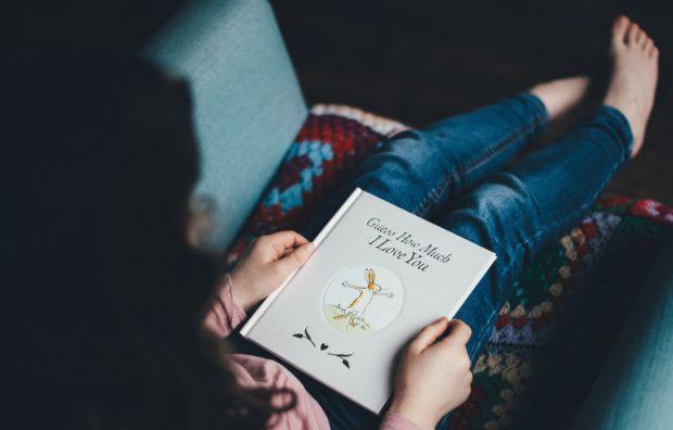 Читайте з малюком не лише казки