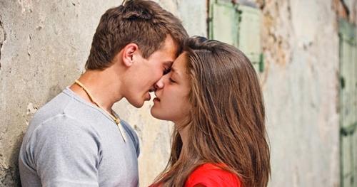 Кожен, хто хоча б раз закохувався, переконаний, що ці почуття - найкраще, що коли-небудь траплялося в його житті. Але лікарі та медики іншої думки...