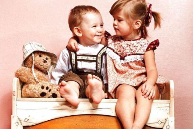 Далеко не всі сім'ї можуть похвалитися дружньою атмосферою між старшими і молодшими дітьми. І це дуже прикро. Як у цій ситуації бути батькам? Як прими
