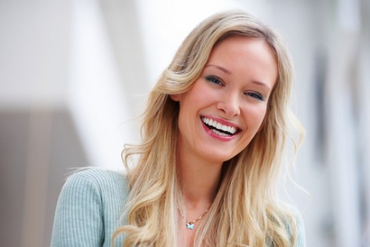 Ідеальна жінка - поєднання краси, розуму та почуття гумору. Тому