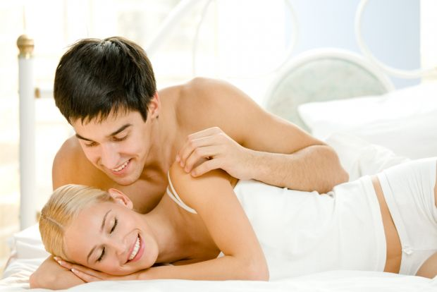 Вагітна жінка потребує ласки і любові. І хоча вагітність може сприносити деякі незручності, все ж це зовсім не означає, що варто зовсім відмовлятися в